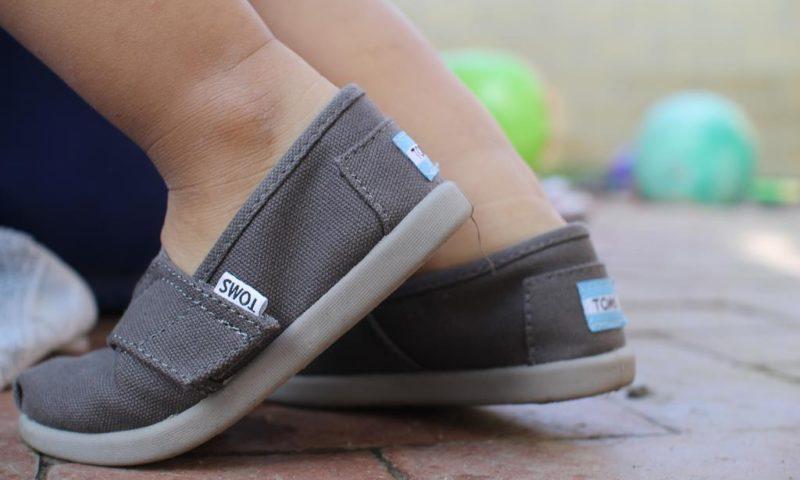 Pierwsze buty dla dziecka – jakie błędy popełniamy?