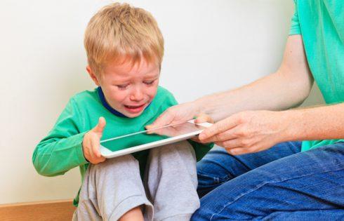 Przestrzeganie dzieci przed uzależnieniami.